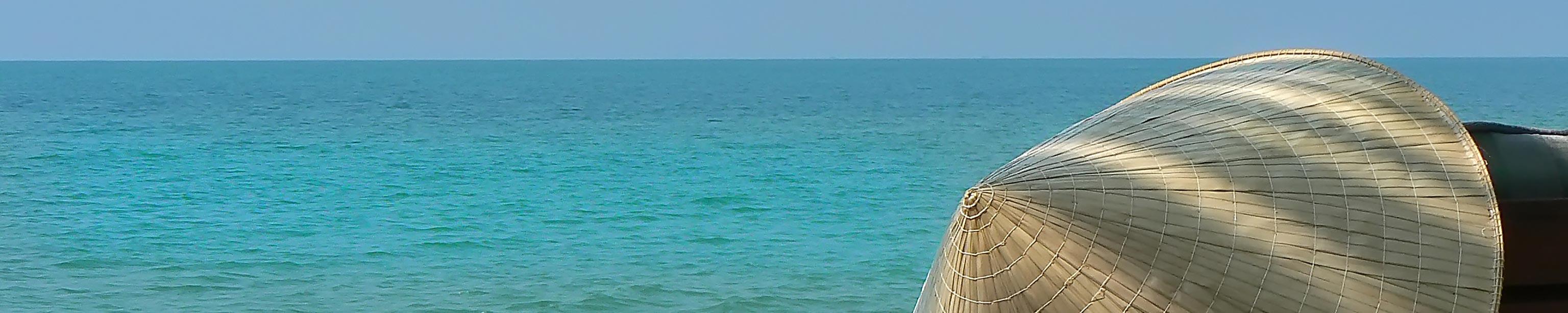 Blick auf türkisblaues Meer