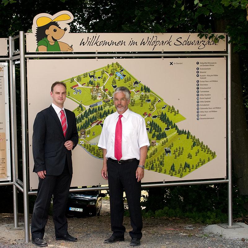 Bürgermeister Theo Haaf und Markus Slaby bei der Wildpark Eröffnung