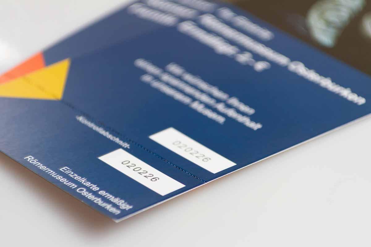Eintrittskarten mit laufender Nummerierung und Abreißteil